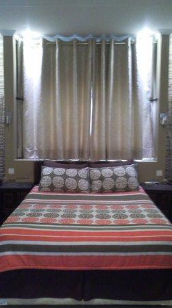 Ditsaleng Bed and Breakfast: En-suite Bedroom