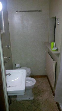 La DimORA Residence: bagno