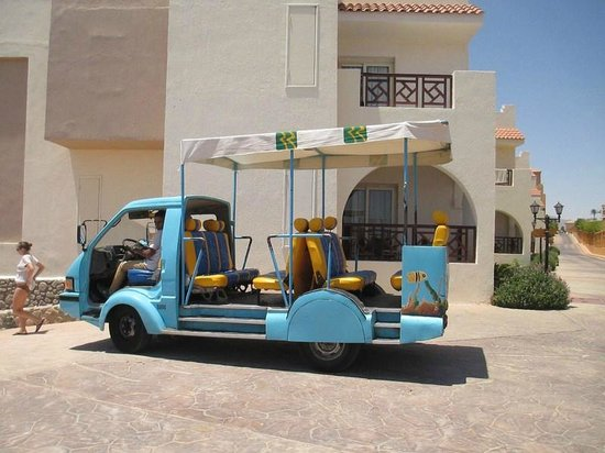 Rehana Sharm Resort: little truck that takes you to & from the beach
