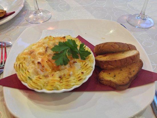 Aroma: Prawns & Spinach au Gratin starter