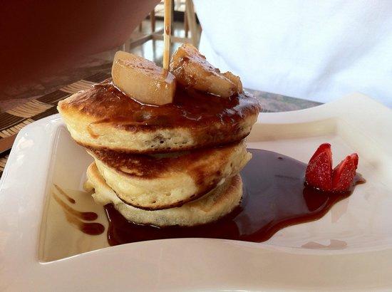 Maca Villas & Spa: Pancakes zum Frühstück