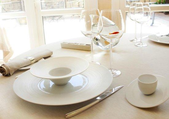 Le Sénéchal : Table de restaurant