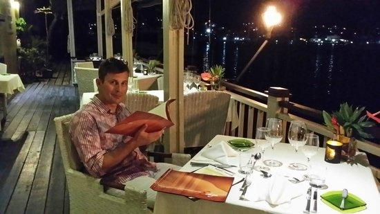 The Edge Restaurant Bar & Sushi: Ein schickes Restaurant