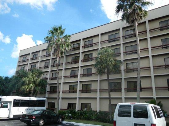 Red Roof Plus+ Miami Airport: Très Bon Hotel Juste à Côté De Lu0027aéroport