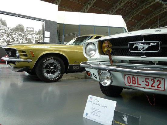 Autoworld : Mustangs