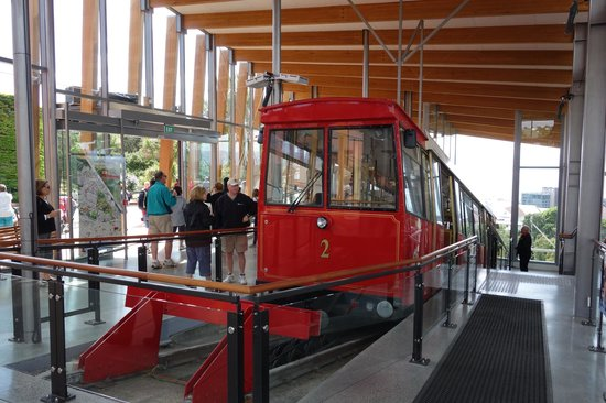 Wellington Cable Car: Picture Of Wellington Cable Car, Wellington