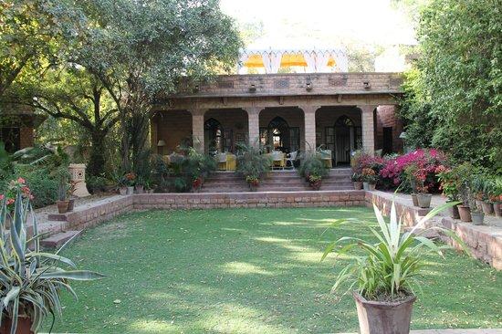 Devi Bhawan: beautiful setting