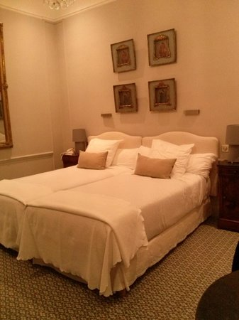 Hotel d'Europe : Cama muito confortável.
