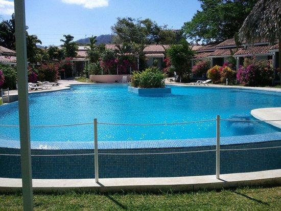 Seis Playas Hotel: Piscina relajante