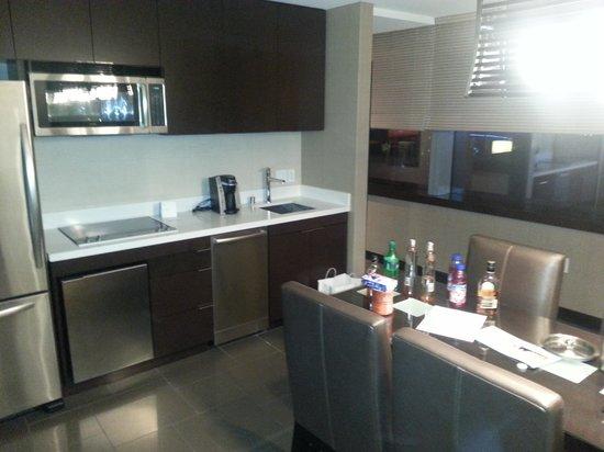 Vdara Hotel & Spa : Vdara corner suite 28th Flr