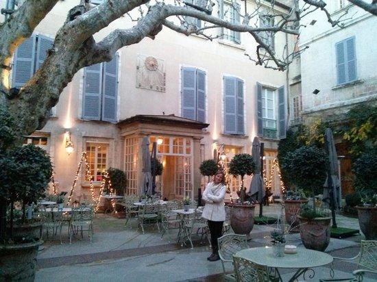Hotel d'Europe: A entrada, num pátio interno.