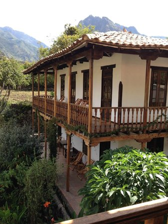 El Albergue Ollantaytambo : View from our balcony room overlooking Andes