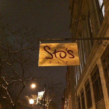 Sto's Bar & Restaurant: 236 Market Street
