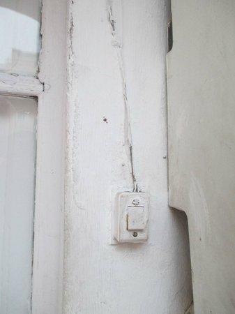 Pintor Pahissa Rooms: Steckdose in der Gemeinschaftsküche