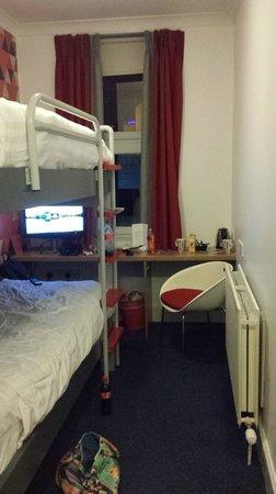 Cityroomz Edinburgh : Doppelzimmer mit getrennten Betten