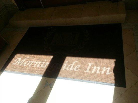 Morningside Inn: Hotel entrance 4