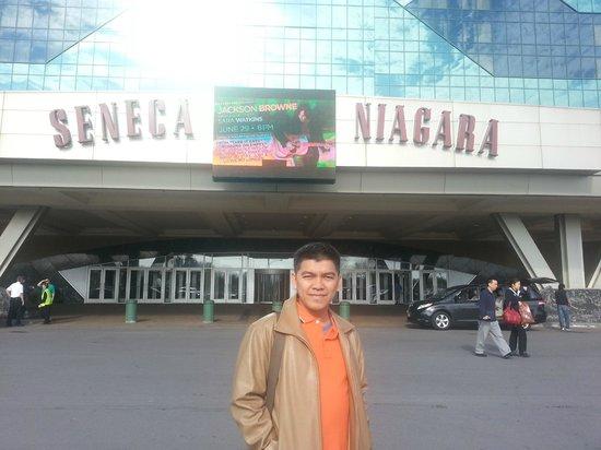 Seneca Niagara Casino: seneca hotel niagara