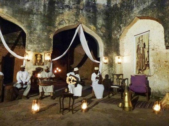 Mtoni Palace Ruins: instrument performance