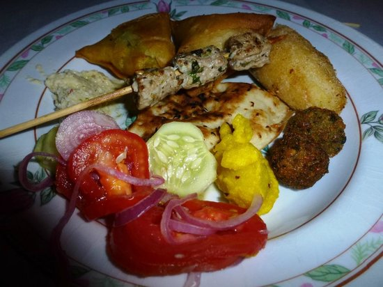 Mtoni Palace Ruins: everything on the plate is tasty