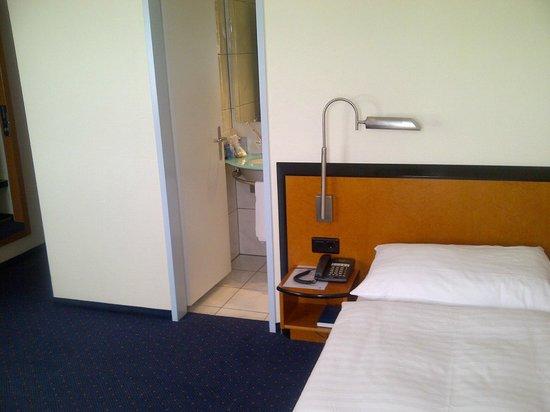 Hotel Löwen am See Zug: Room