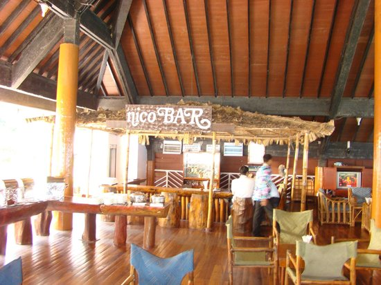 Fortune Resort Bay Island: Bar and lobby