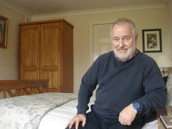 Groeslyn Ty Mawr B & B: The room was spotlessly clean and beautifully furnished