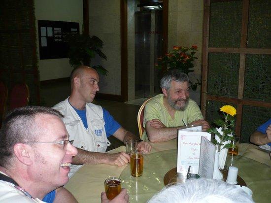 City Hotel Yangon: en 2008 aujourdhui c'est l'arriere de la reception