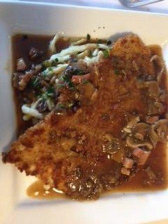 Cafe Berlin: Schnitzel w/wild mushroom gravy and gnoochi