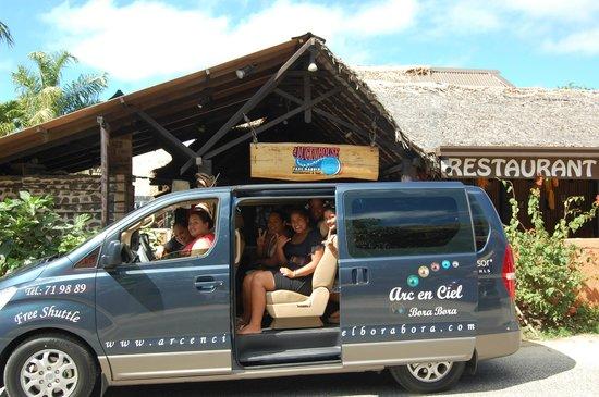 Arc En Ciel Bora-Bora : Our Mini Van please call us for the free shuttle 71 98 89