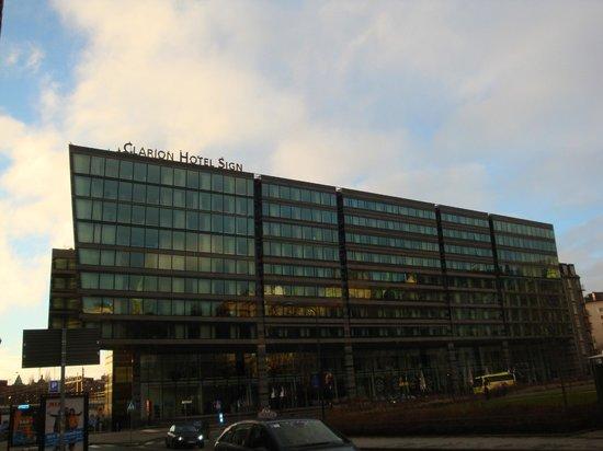 Clarion Hotel Sign: Отель