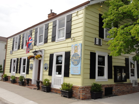 Olde Angel Inn Hotel and Restaurant: Circa 1789, History at it's finest!!!