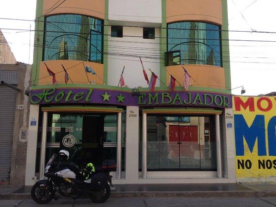 Hotel Embajador : Front entry of Hotel