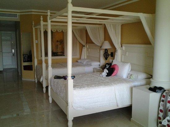 Luxury Bahia Principe Bouganville Don Pablo Collection : Chambres très belles et spacieuses