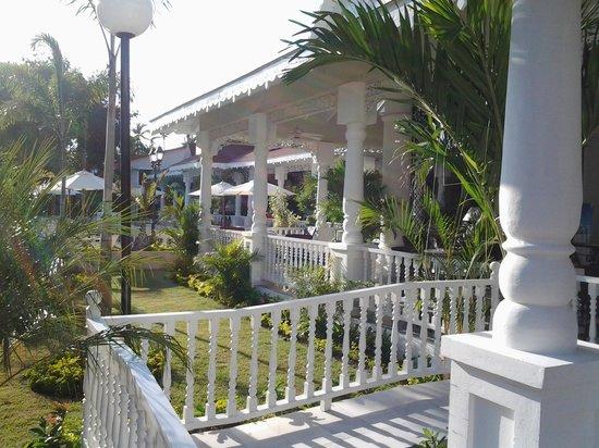 Luxury Bahia Principe Bouganville Don Pablo Collection : Les jardins et l'hôtel !!!
