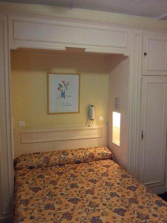 Hotel de Suez : Room