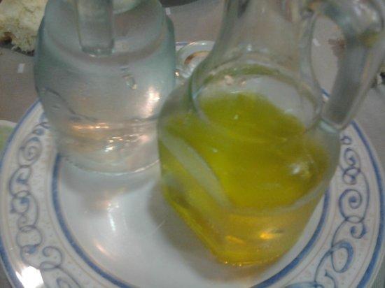 Restaurante El Pradillo: Los chupitos de orujo con los que nos convidaron.