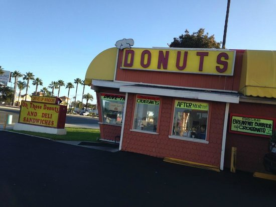 OH Those Donuts: View from the parking lot