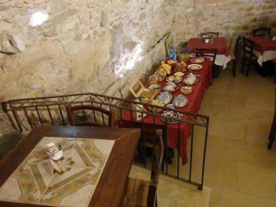 Grana Barocco Art Hotel & Spa: 朝食兼ディナー用、数千年前の洞窟です。