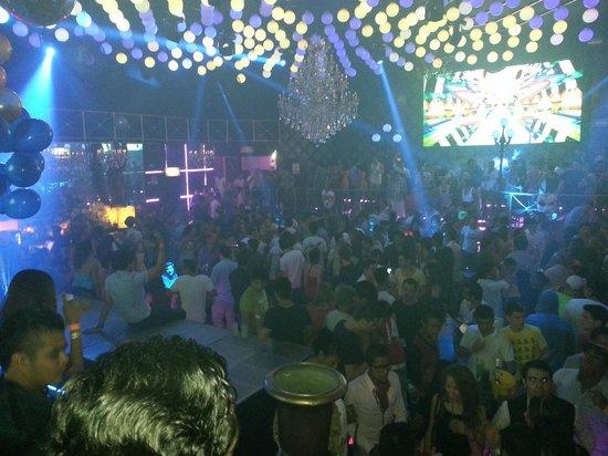Playacrawl: club