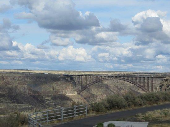 Elevation 486: View of bridge over Snake River