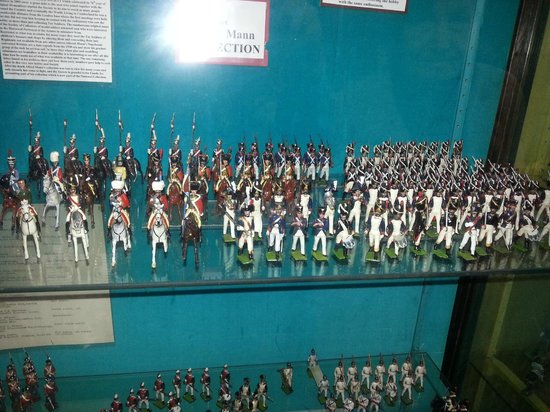 Stratford Armouries Museum: Toy soldiers by the score