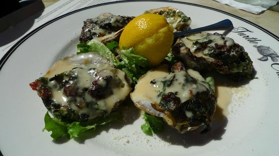 Vanderbilt Beach Resort: Oysters Turtlefeller at Turtle Club