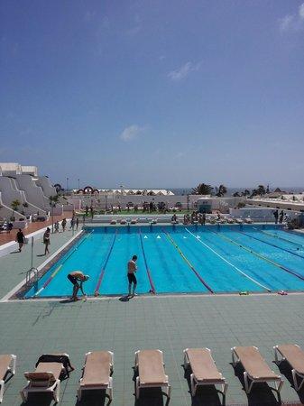 Sands Beach Resort : swimming lessons