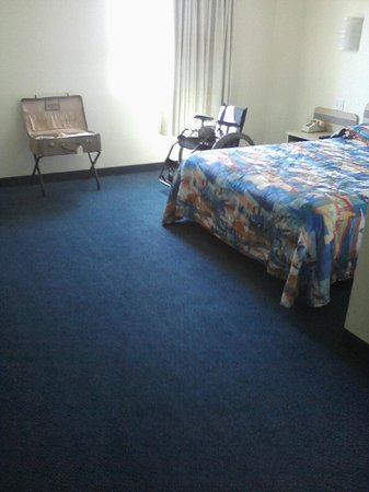 Motel 6 Cedar City: Nice, open bedroom
