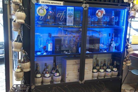 Forno Roscioli Pietro : Distillati in vetrina