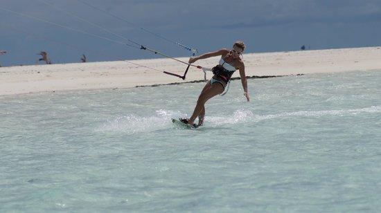 Kiteboard Aitutaki: kitegirl