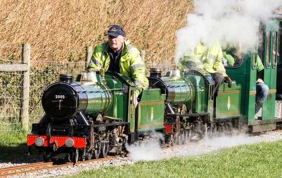 Eastleigh Lakeside Railway: A double header