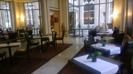 Saint James Albany Hotel-Spa: vue du lobby