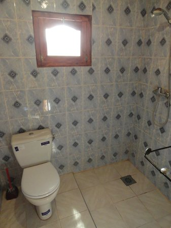 Kasbah Chems: Bathroom
