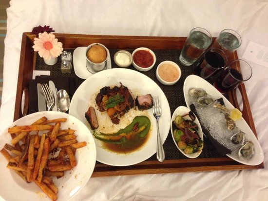 The Nines, a Luxury Collection Hotel, Portland: Room Service: Oysters, Fries, and Pork Chop from Urban Farmer